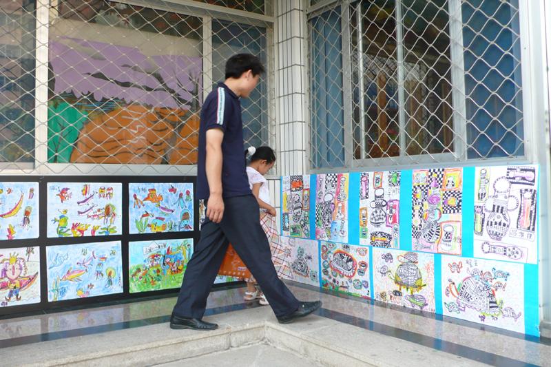 小手绘世界——滨医第三幼儿园大班幼儿毕业美术作品